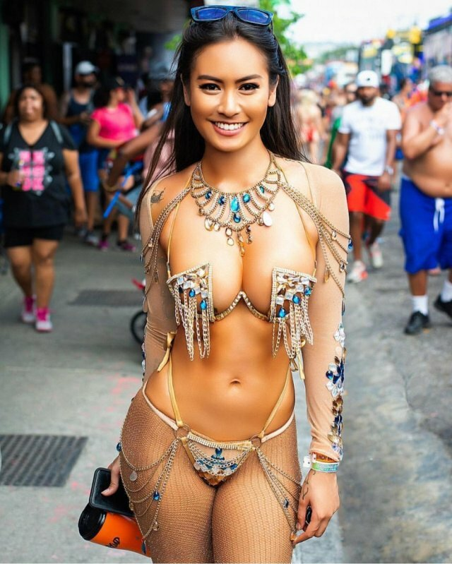Girls nude festival Nudes
