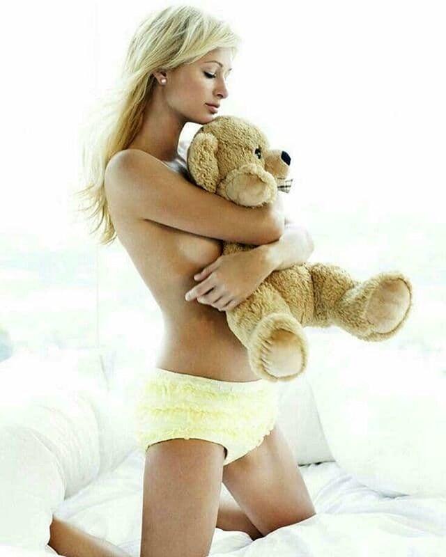 Topless paris hilton Paris Hilton